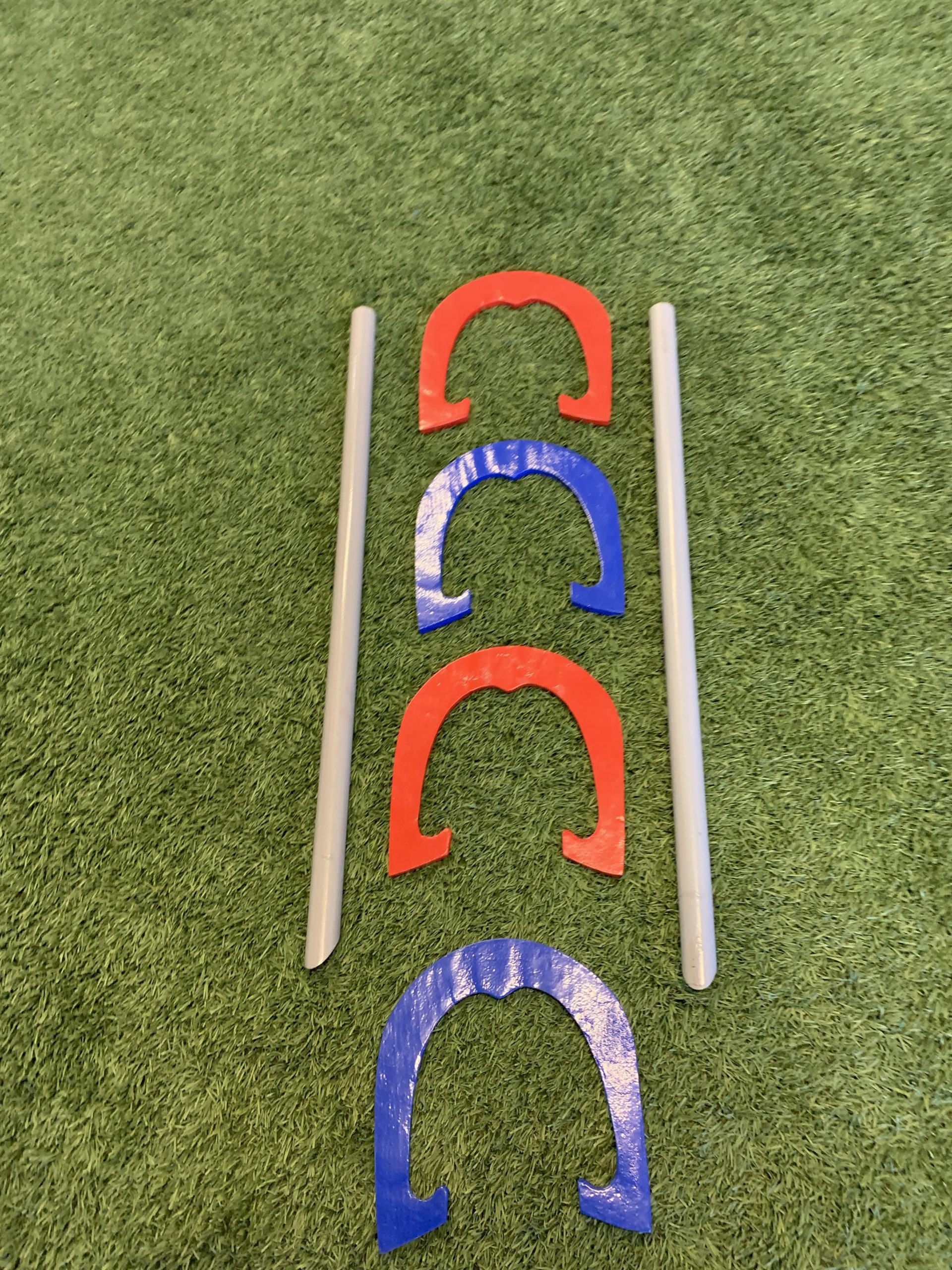 High Quality Red & Blue Metal Horseshoes w/ Carry Bag