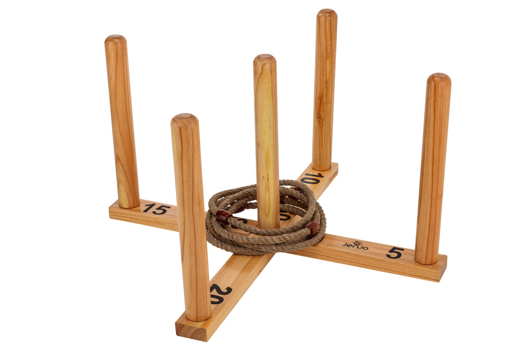 Mega Quoits Wooden Rope Ring Toss Outdoor Game Set 100cm Wide Including 5 Rings